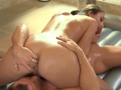 Hot Massage With Lina Cole