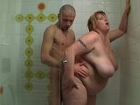 He Picks Up Her And Screws Her Slippery Big Body Shape Inside A Douche