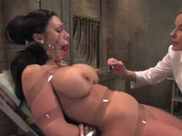 Curvaceous Dark Haired Has Her Fuzzy Wuzzy Eaten And Toyed
